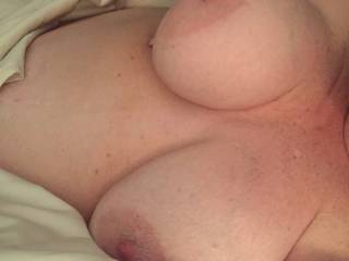 Who'd like to cum play with me while hubby watches? I'd love to have a BBC or a couple or two guys at once. Nice big tits and sweet wet pussy right here. Mmmmmm.