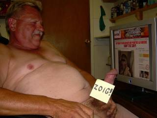 Cock stroking fun on zoig!