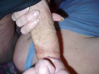 I love getting my cock sucked :)